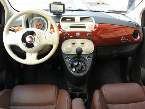 Fiat 500L Includes TomTom GPS on the Dashboard