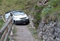 Top 10 Sat-nav fails of all time van driver stuck driving up mountain